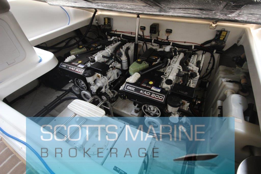 Riviera M430 Sports cruiser – Scotts Marine Brokerage